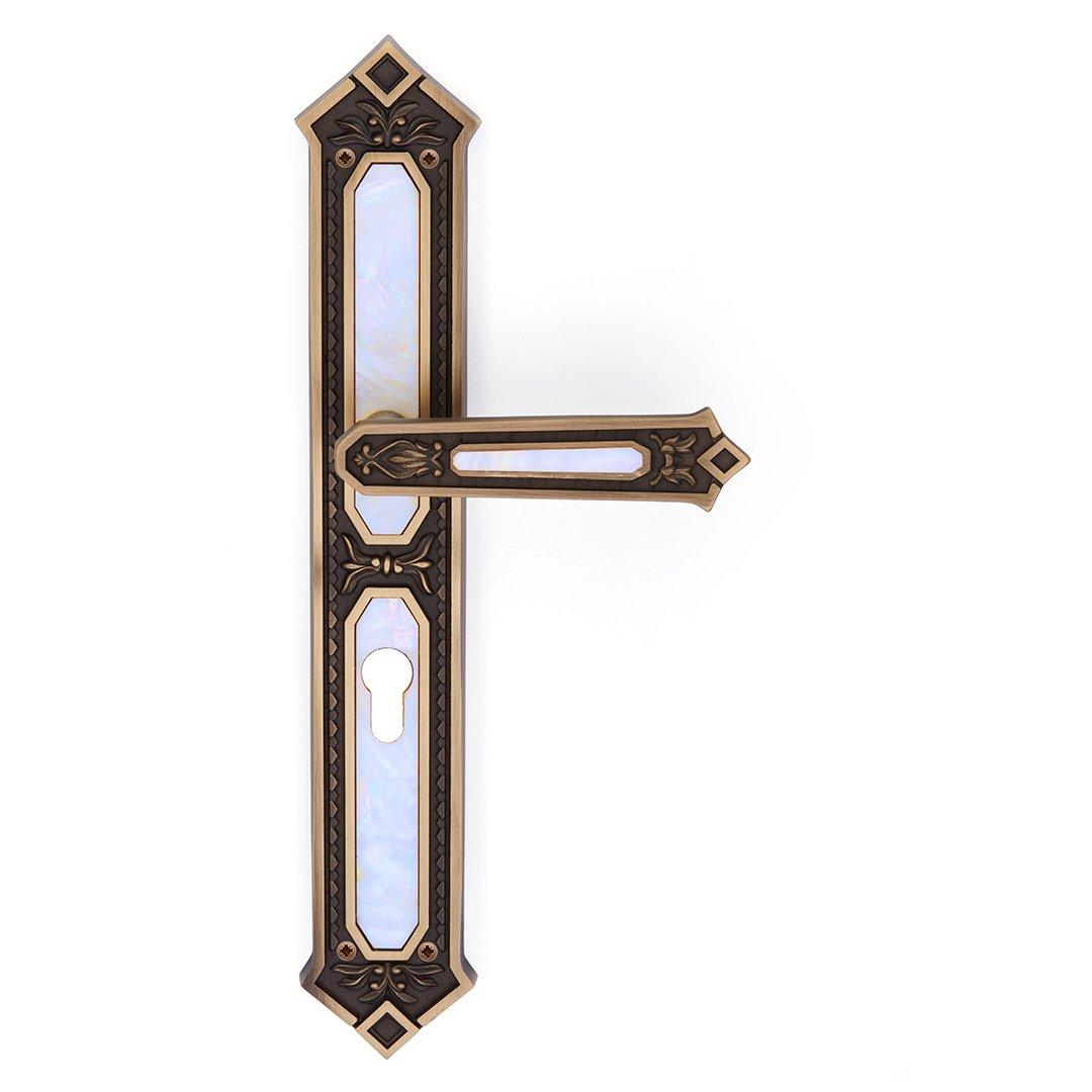 Maniglia su placca in ottone e madreperla King Jewellery